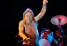 Picture of Iggy Pop in concert at Planeta Terra in Brazil by Brazil music photographer Flavio Moraes