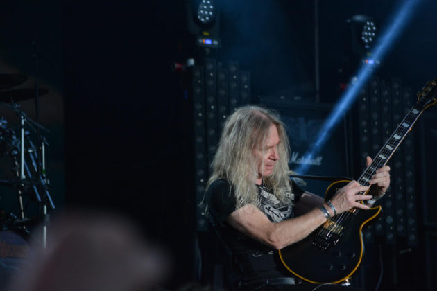 Pictures of the heavy metal band Saxon by Sweden MusicPhotographer Lennart Håård